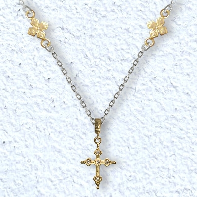 PETITE GOTHIC CROSS WITH MIXED CHAIN