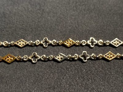 MIX OPEN GOTHIC/OPEN DIAMOND SHAPED/CROSS LINK CHAIN