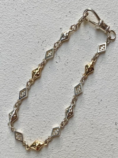 MIXED DIAMOND SHAPED/CROSS OPEN/SOLID LINK