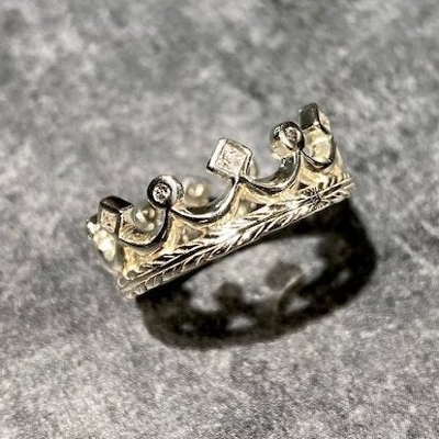 ROYAL ETERNITY CROWN BAND W/PRINCESS POINT